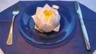Сватбена декорация за маса оригами Водна лилия. Водната Лилия - още от древните египтяни е олицетворение на надежда и щастие. Същото така изразява висша степен на благоволение и уважение. Украсата...