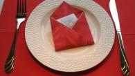 """Украса тип """"Романтичното писмо"""" Романтична украса за сватба тип Писмо. Украсата тип Романтично писмо, е ръчно направена украса от червена салфетка. В украсата Писмо може да се сложи малка картичка,..."""