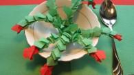 Пролетна украса за маса от салфетки тип Цветенце поспаланко. Украса тип Цветенце поспаланко е ръчно изработена декорация от зелени и червени салфетки. Украсата се препоръчва, като пролетна украса за рожден...