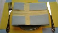 Оригами украса за конференции от салфетки тип Знамето на Швеция. Украса тип Знамето на Швеция е ръчно изработена от светло -синьо и жълти салфетки. Украсата се препоръчва за бизнес срещи,...