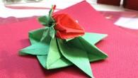 Украса за маса от оригами тип Ягода Украса за маса от оригами тип Ягода е подходяща за най-различни поводи (Рожден ден, имен ден, сватба, кръщене, празници, събирания и т.н.). Ягодата...