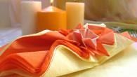 Украса за маса Лятна декорация Украса за маса тип Лятна декорация представлява цвете нарцис направено от салфетка лежащо на оранжево- жълти салфетки. За този тип украса са използвани два цвята:...