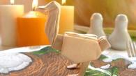 Украса за маса от оригами птицата Щраус. Птицата щраус сама по себе си е символ на древността, бързината, красотата, танците и други. Малко известен факт, е че при размнoжителния период...
