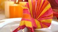 Украса за маса от салфетка оригами Паун. Украсата представлява оригами птицата Паун направен от салфетка. Украсата може да се изработи в най-различни цветове (червено, черно, жълто, кафяво, зелено, синьо, бяло, […]