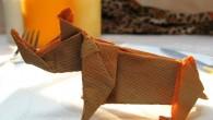 Украса за маса или фирмен подарък оригами носорог. Украсата от оригами носорог е подходяща като бизнес или фирмена украса за маса или малък подарък, защото се смята, че помага на...